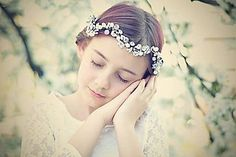 zuzig - Flowers in the hair. Folklore, Crown, Flowers, Hair, Jewelry, Fashion, Moda, Corona, Jewlery