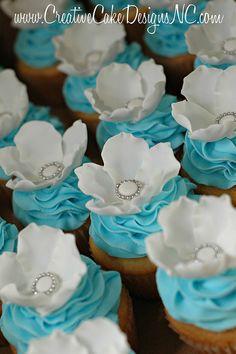 green and blue wedding ideas wedding cupcakes Blue Wedding Cupcakes, Bridal Shower Cupcakes, Blue Cupcakes, Pretty Cupcakes, Beautiful Cupcakes, Tiffany Cupcakes, Vanilla Cupcakes, Mocha Cupcakes, Gourmet Cupcakes