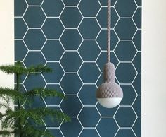 Originele gloeilamp lampen met een gekleurd snoer