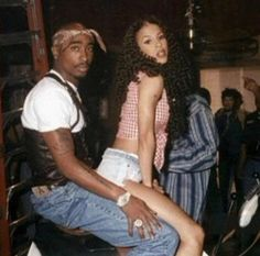 """Tupac Shakur and Heather Hunter pictured on April in 1996 during the filming of """"How Do U Want It? Black Couples Goals, Cute Couples Goals, Tupac Shakur, Rapper, Heather Hunter, Tupac Pictures, Fille Gangsta, Black Relationship Goals, 90s Hip Hop"""
