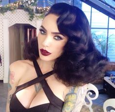 Vintage Hairstyles: Easy Pin Curl Set for Retro Waves Big Chop, Retro Hairstyles, Wedding Hairstyles, Cabelo Pin Up, Hair Colorful, Rockabilly Hair, Pin Up Hair, Long Wavy Hair, Old Hollywood Glamour