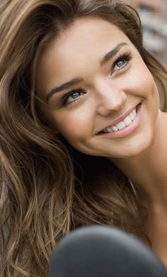 Miranda Kerr Shows Off Gorgeous Hair In Clear kerr-shows-off-gorgeous-hair-in-clear-ads/