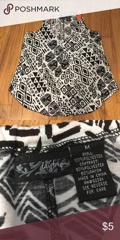 Daytrip black and white geo print tank Daytrip (purchased at Buckle) tank size Medium Daytrip Tops Tank Tops