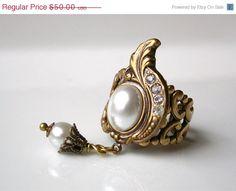 Victorian Pearl Ring  Les Pecheurs de Perles by LeBoudoirNoir, $44.50  http://www.etsy.com/treasury/MTIxNjA0MTl8MjcwOTI3NTE3OA/treat-mom-royally