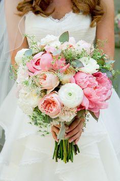 Ideas For Wedding Bouquets White Ranunculus Garden Roses Spring Wedding Flowers, White Wedding Bouquets, Bridal Flowers, Bridesmaid Bouquet, Floral Wedding, Bridal Bouquets, Pink Flowers, Wedding Colors, Mod Wedding