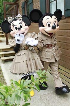 Safari Mickey and Minnie Disney Dream, Cute Disney, Disney Magic, Disney Disney, Disney Stuff, Mickey Mouse And Friends, Mickey Minnie Mouse, Disney Characters Costumes, Woman Costumes