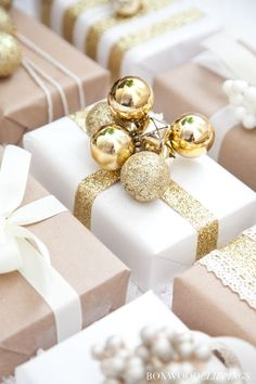 Christmas Wrapping You Won't Believe! | Boxwood Clippings