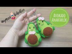 Plastic Baskets, Crochet Earrings, The Creator, Christmas Ornaments, Key Chain, Holiday Decor, Youtube, Key Chains, Crochet Bags