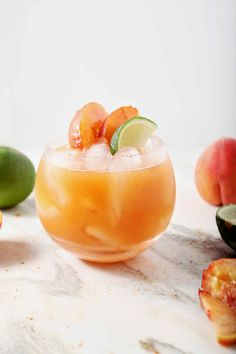 Celebrate summertime by mixing up a Peach Moscow Mule! Whether you're serving yourself or a crowd, these mules are satisfying, well-balanced and unique for any gathering! Fall Cocktails, Vodka Cocktails, Alcoholic Drinks, Beverages, Martinis, Cocktail Fruit, Cocktail Recipes, Cocktail Mix, Moscow Mule