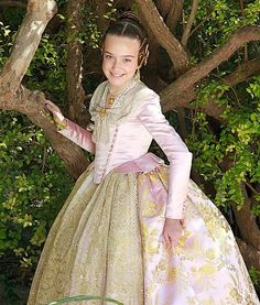 Traditional Fashion, Traditional Dresses, Civil War Dress, Fantasy Dress, Fantasy Clothes, Old Dresses, Period Costumes, Folk Costume, Creative Inspiration
