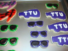 Sugar cookies (shoes and glasses) for Great Move-In Day.....