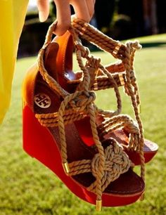 Summer wedges from Tory Burch. Love these shoes. Tory Burch, High Heels Boots, Shoe Boots, High Shoes, Women's Shoes, Nike Outfits, Crazy Shoes, Me Too Shoes, Fashion Mode