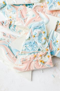 Everyone will fall in love with this white chocolate bark