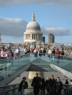 Photo Workshop Day :) St Paul's Cathedral across Millennium Bridge. Millennium Bridge, Travel Photos, Cathedral, Louvre, Clouds, London, Building, Workshop, Photography