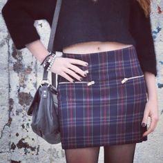 Buenos días!!Nuevo Look! Good morning!! New Look #CropTop #Tartan in http://www.theprincessinblack.com #fashionblog #lookoftheday #lookbook #outfit #itgirl #toppic #instagrampic #bestpic #streetstyle #beauty #happy #followme #havefun #instagramlikes #blogger #blog #blogmoda #glamour