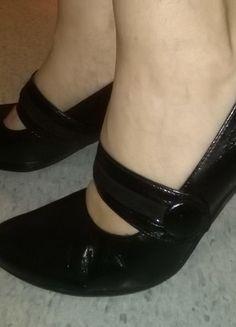 Kup mój przedmiot na #vintedpl http://www.vinted.pl/damskie-obuwie/polbuty/12562555-czarne-skorzane-czolenka-na-obcasie-firmy-arka