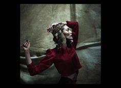 Adam de Cruz — A Study in Red and Gold (Vogue.it)