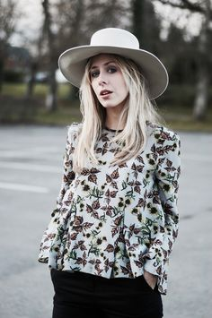 Flared Sleeves In Floral Print