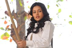Our lead actress Mishti surprises everyone on the sets! Click here to know how: http://iamkaanchi.blogspot.in/