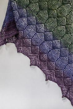 Free Pattern: Hummingbird Feathers Shawl