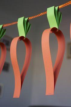 ostern basteln mit papierstreifen girlande karotten diy #decoration