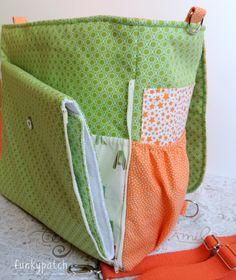 Bolso-mochila con aplicación de perrito