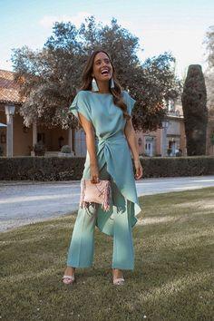 Inspiración para invitadas de verano - StyleLovely Gala Dresses, Nice Dresses, Dress Outfits, Evening Dresses, Fashion Outfits, Formal Dresses, Elegant Outfit, Classy Dress, Fiesta Outfit