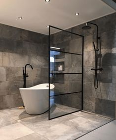 28 Industrial Style Bathrooms Design and Decor Ideas - bathroom Industrial Bathroom Design, Industrial Style, Design Bathroom, Industrial Kitchens, Diy Bathroom, Industrial Lamps, Industrial Furniture, Vintage Industrial, Bathroom Ideas