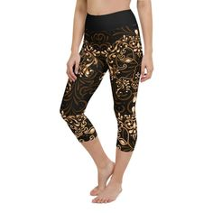 Workout with comfort and Show-off your Zodiac Sign in Gemini with these high-quality Capris. This design is made to complement any body types. Show off that bum, be a head-turner, and workout in confidence. Crotch Area, Zodiac Capricorn, Workout Leggings, Body Types, Squats, Zodiac Signs, How Are You Feeling, Confidence, Bending