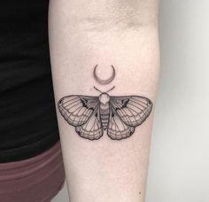 "silenzioacre: ""Moth  """