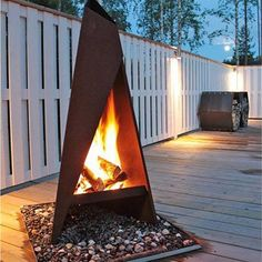 Awesome corten steel fire places, fire pits, braziers & wood storage ideas for your outdoor living space Modern Pergola, Deck With Pergola, Cheap Pergola, Outdoor Pergola, Backyard Pergola, Outdoor Fire, Pergola Kits, Outdoor Living, Outdoor Decor