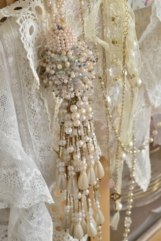 Pearl tassel (mk) seen many examples using beads, wanted to include