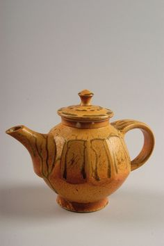 Diana Gillispie  Untitled teapot, 1985-95; purchased in Asheville, North Carolina; porcelain, ash glaze; Gift of American Ceramic Society Collection 2004.2.0001