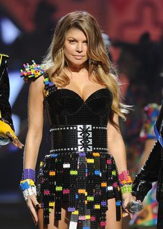 I don't like Fergie (mostly because of her annoying music) but I love the lego dress she's wearing