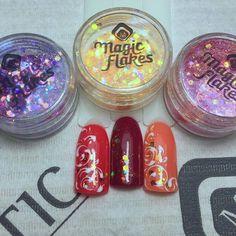 Create an easy but fun design with Magic Flakes (118823) #nailstyle #easynailart #naildesign #nails #nailsalon #nailtech