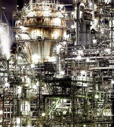 Oil refinery in Yokkaichi Japan Industrial Photography, Urban Photography, Landscape Photography, Process Engineering, Building Drawing, Ghost In The Machine, Sci Fi Environment, Oil Refinery, Urban Industrial