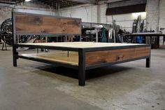 DIY Industrial Bed Frame Design Ideas For Inspiration - Cama Industrial, Industrial Bed Frame, Welded Furniture, Steel Furniture, Industrial Furniture, Furniture Projects, Diy Furniture, Furniture Design, Girls Furniture