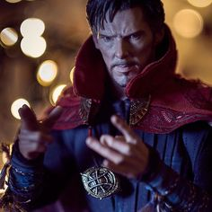 My beautiful girl @brave_964 gave me a Doctor Strange @hottoyscollectibles , such a detailed model. It's great for my photography projects. #hottoys #doctorstrange #marvel #toyphotography