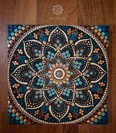 Mandala Dots, Dot Art Painting, Stone Art, Mosaic Art, Clay Crafts, Painted Rocks, Cool Art, Colouring, Discovery