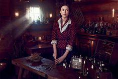 Caitriona Balfe as Claire Fraser - Vanity Fair photo - Outlander_Starz Season 4 Drums of Autumn - posted up October 2018 Claire Fraser, Jamie Fraser, Jamie And Claire, Serie Outlander, Diana Gabaldon Outlander Series, Sam Heughan Outlander, Costumes Outlander, Marie Stuart, Popular Book Series