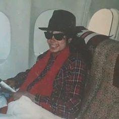 Unseen photo of MICHAEL JACKSON 10. 27. 1988 :)