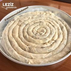 Kıymalı Çarşaf Böreği (El Açması) Looks Yummy, Turkish Recipes, Homemade Beauty Products, Potato Recipes, Beautiful Cakes, Biscotti, Bakery, Food And Drink, Desserts