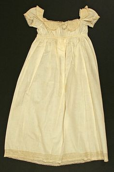 Child's white cotton dress, American, early 19th C.