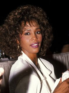 Whitney Houston birthday countdown just 7 more days to go! Whitney Houston Birthday, Whitney Houston Pictures, I Look To You, Hip Hop, Young And Beautiful, Beautiful Voice, Beautiful Celebrities, Female Celebrities, Always Love You