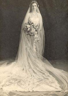 Victorian Wedding Fashion – 27 Stunning Vintage Photos of Brides Before 1900