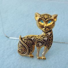 Spanish Damascene Brooch Figural Cat Classic Gold & Black Traditional Design, 1950s by elliemaesantiques on Etsy