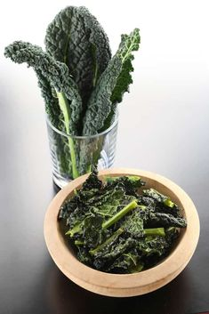 Keto Kale Chips Nutrition per serving: Calories Fat 5 g, Protein, Carbs Kale leavesOlive OilSeasonings of choice Preheat oven to and dry kale leaves thoroughlyTear into medium sized piecesAdd to Kale Chip Recipes, Diet Recipes, Healthy Recipes, Fun Recipes, Healthy Options, Summer Recipes, Delicious Recipes, Recipe Ideas, Diet