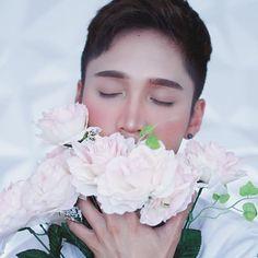 Edward Avila #EdwardAvila #YouTuber #Beauty #Asian