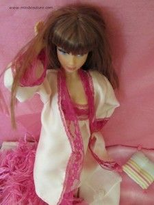 Pink and lace robe for Barbie (the nightgown tutorial is available on the same site).