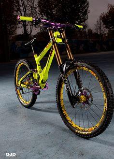 Banshee Legend MkII 2013 Fluo/Purple - marci0's Bike Check - Vital MTB